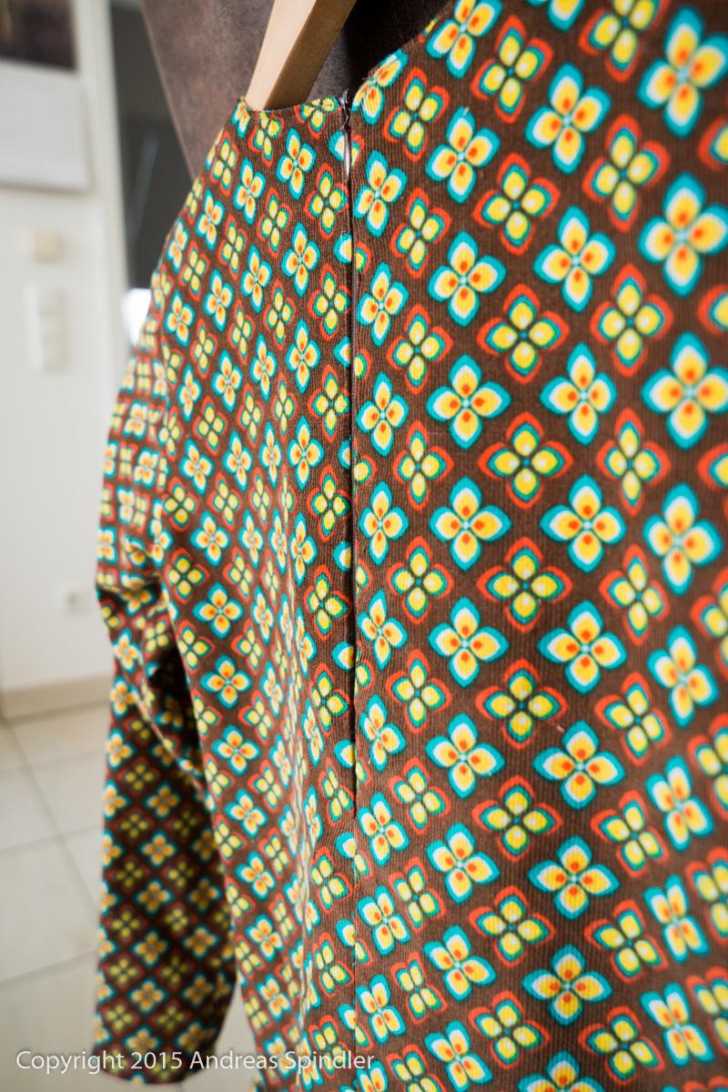 Cord-Kleidchen Detail